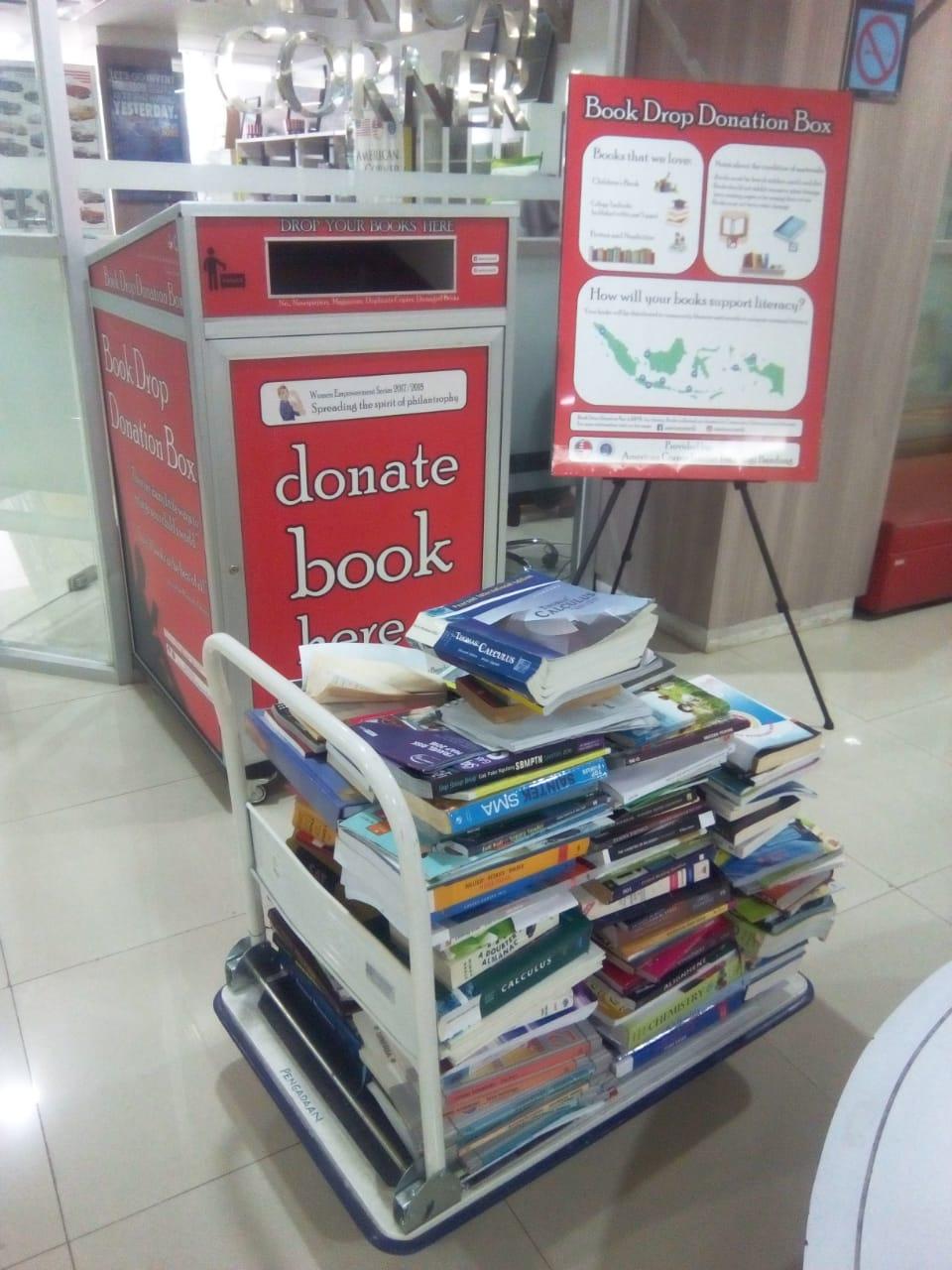 Pembukaan Book Drop Donation Box